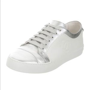CC Chanel Leather Low-Top Sneakers